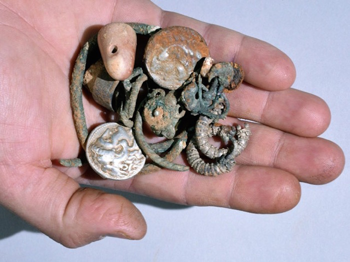 Alexander the Great-era coins, jewelry discovered in Israel