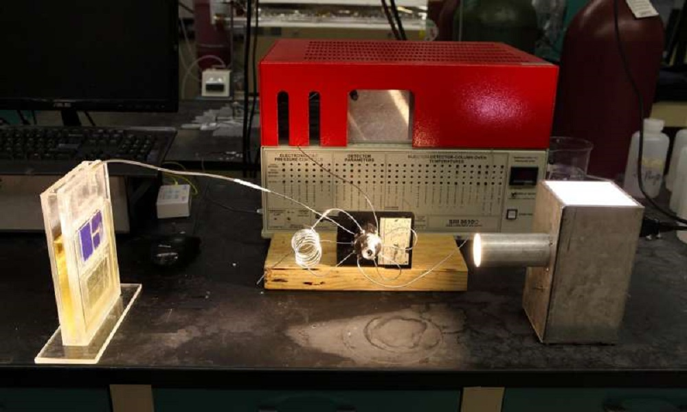 New solar cell converts atmospheric CO2 into usable energy