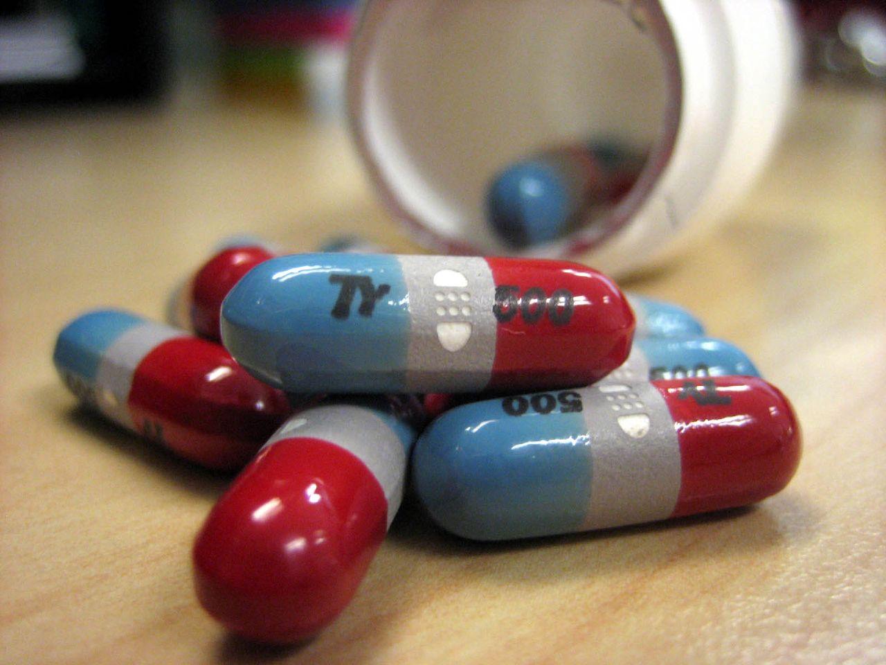 Does Tylenol help fibromyaglia?