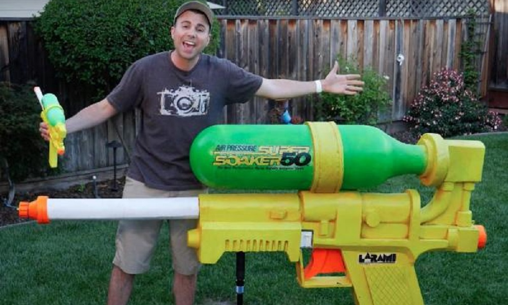 VIDEO: World's largest SuperSoaker shoots water at over 200 mph