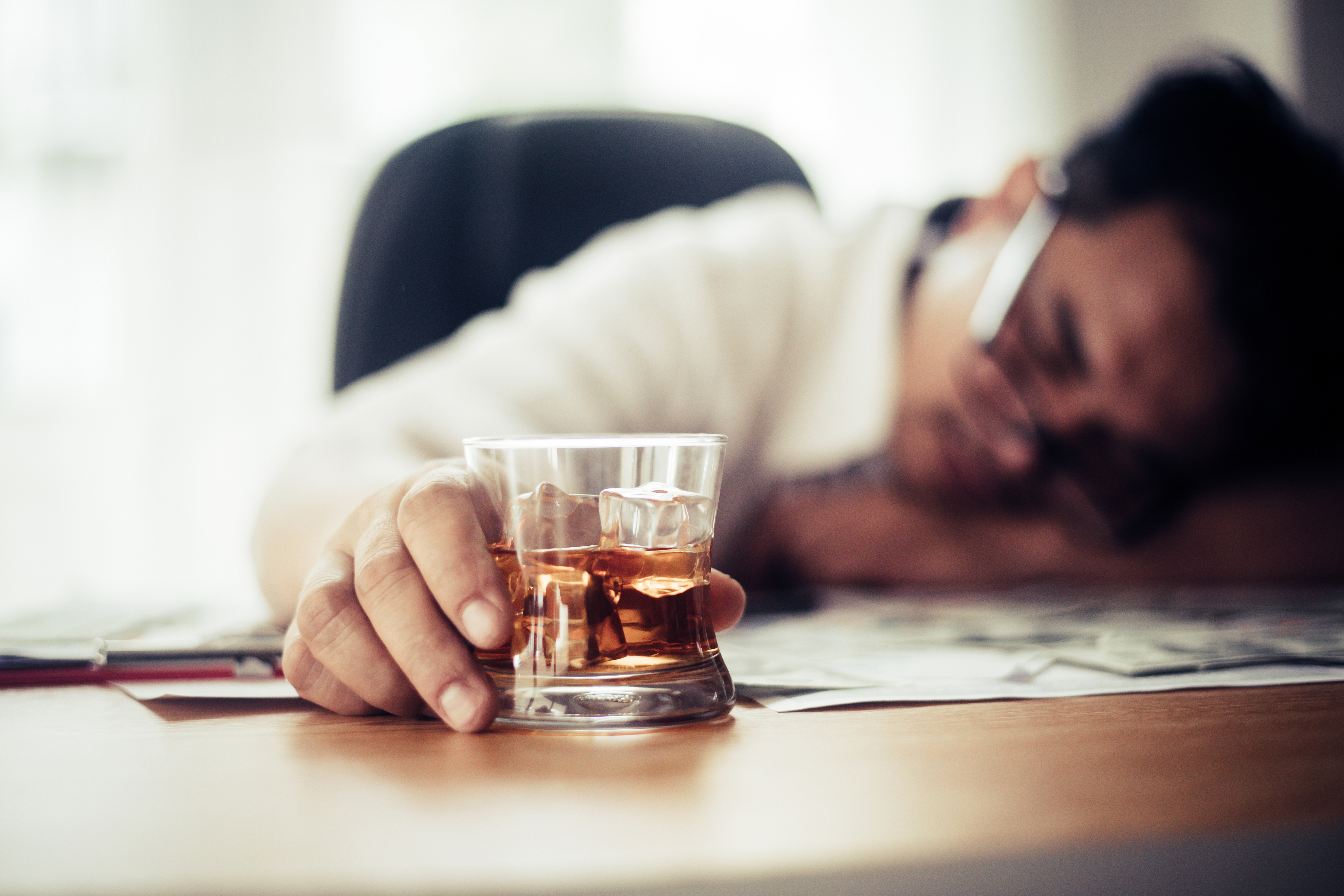 7 Signs of Alcohol Poisoning You Should Know About