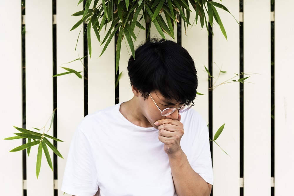 How to Make Yourself Sneeze? 11 Tricks That Can Help